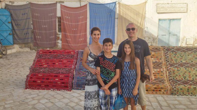 Familienausflug nach Houmt Souk