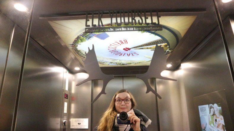 Im Aufzug des Scandic Berlin Kurfürstendamm