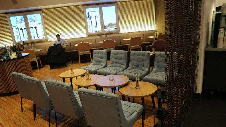 Modern und Chic: Im Restaurantbereich des Hotels