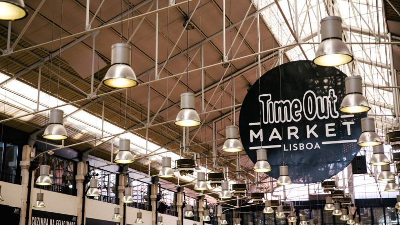 Time Out Market Decke