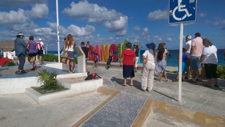 Strand Playa Delfines Schriftzug