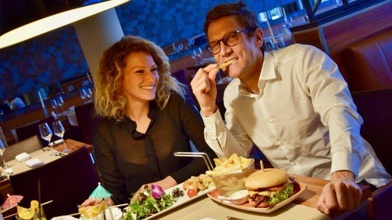Salat und TUI BLUE Burger: Solch Leckereien wie es sie im TUI BLUE Fleesensee gibt, werden im Dschungelcamp nicht aufgetischt.