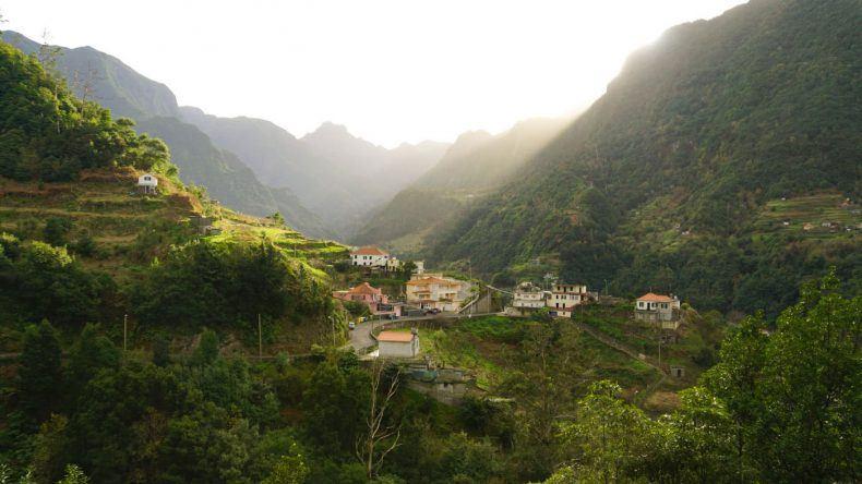 Die schöne Berglandschaft auf der Insel Madeira
