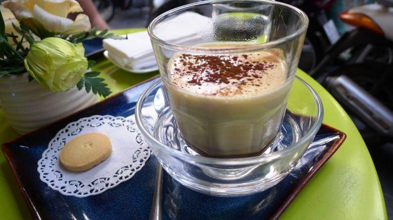 Traditioneller vietnameischer Kaffee aus Hanoi