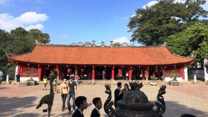 Der rote Literaturtempel von Hanoi