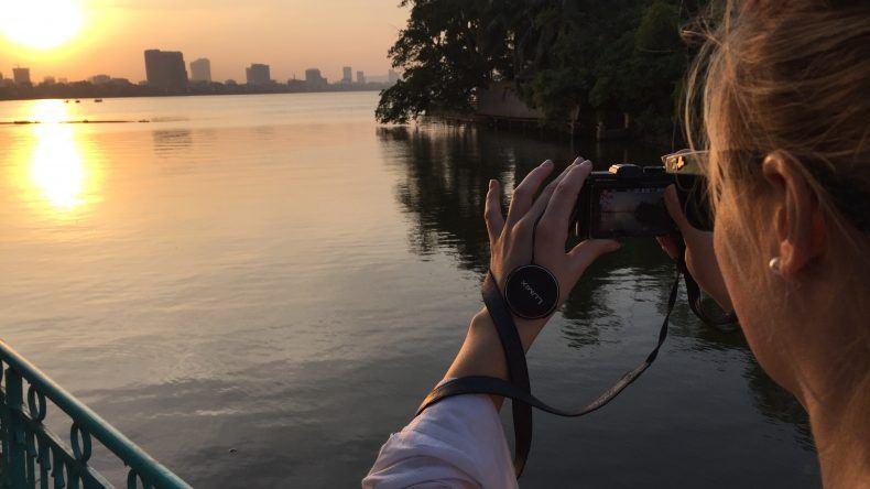 Fotografie vom Sonnenuntergang am Tay-Ho-See