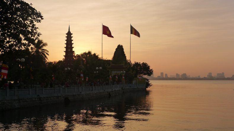 Tran-Quoc-Pagode bei Sonnenuntergang