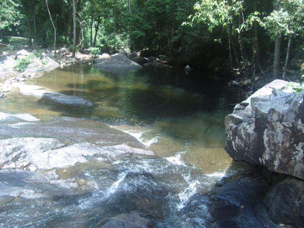 Langkawi Wasserbecken beim Temurum Wasserfall