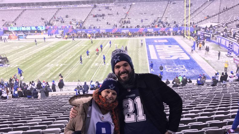 Meine Frau und ich im Metlife Stadium in New York zum Spiel New York Giants gegen Dallas Cowboys