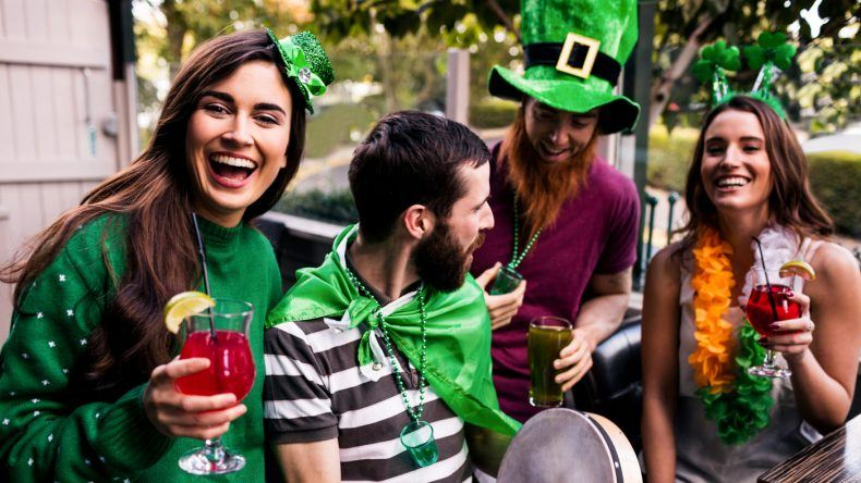 Faktencheck St. Patrick's Day (Copyright: wavebreakmedia/Shutterstock.de)