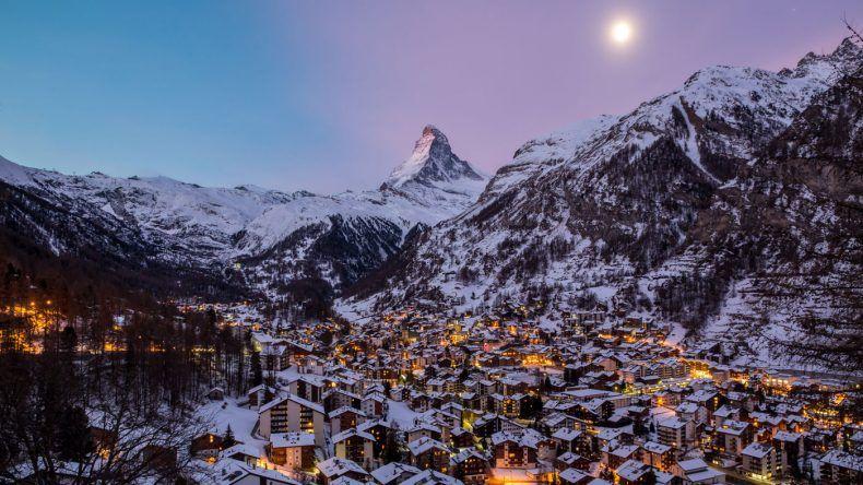 Blick auf Zermatt und das Matterhorn (Copyright: Tatiana Lazareva/Shutterstock)