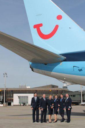 Die Crew der TUI fly im neuen Gewand