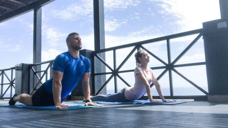 Wenn nicht im Urlaub, wann dann? Sport mit dem Partner macht vor allem im Urlaub viel Spaß