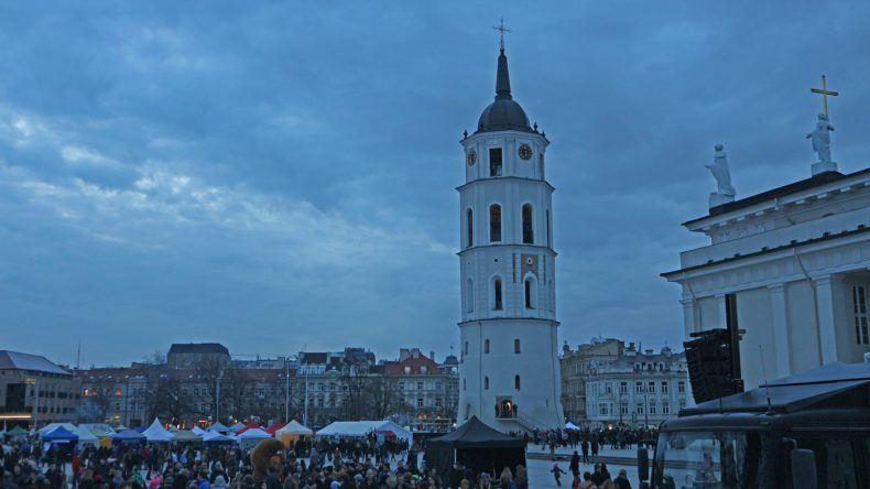 Der Glockenturm von Vilnius neben der Kathedrale
