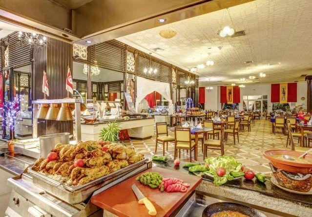 Im Hauptrestaurant Magico im TUI MAGIC LIFE Africana gibt es Buffet