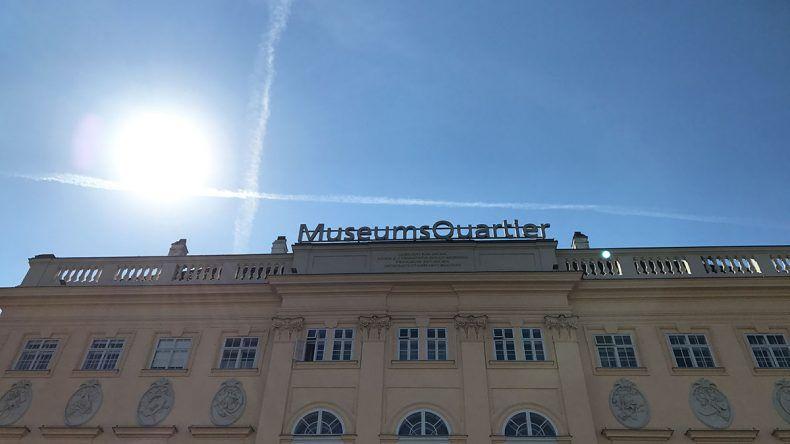 Der Eingang zum Museumsquartier.