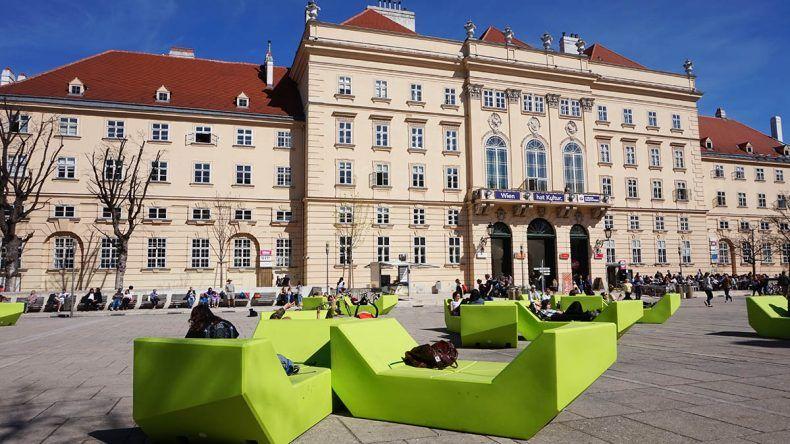 Enzis Musumsquartier Wien