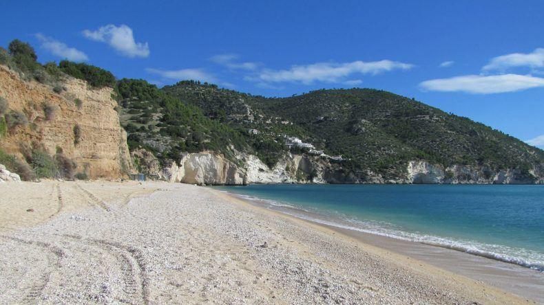 Strand von Mattinata in Apulien