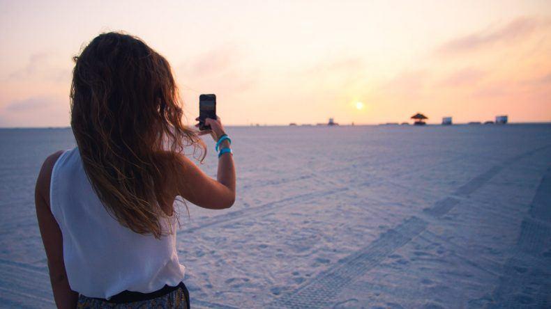 Lara fängt die Goldene Stunde am Strand des Sheraton Sand Key Resort ein, Clearwater