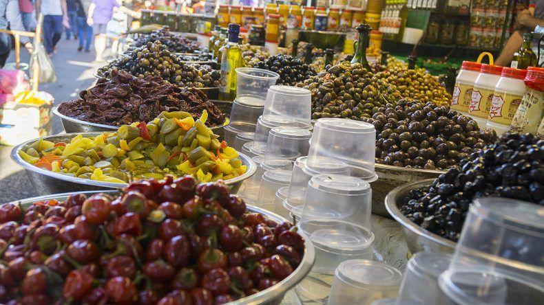 Probiert euch auf jeden Fall durch auf dem Karmel Markt