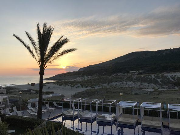 Adults-only Pool und Cala Mesquida bei Sonnenaufgang