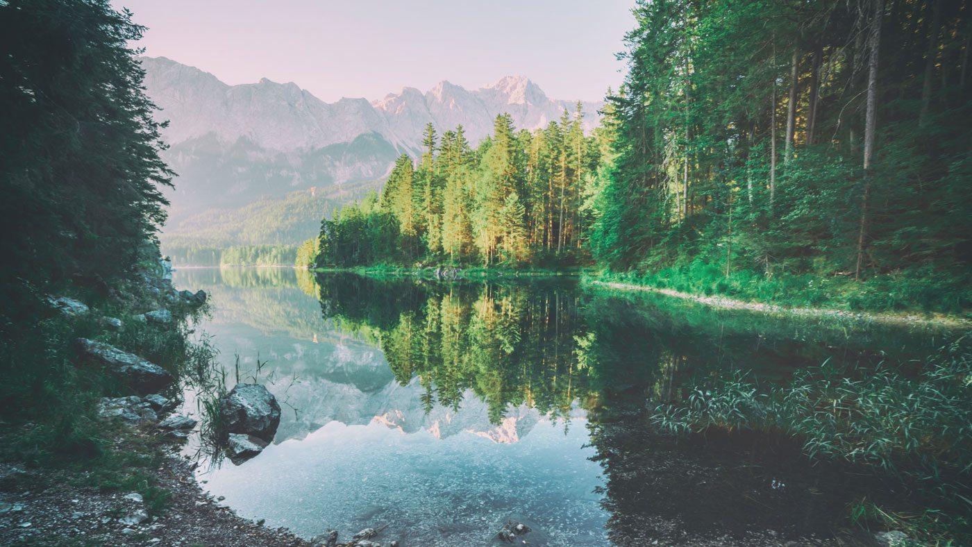 Außergewöhnliches Reiseziel: Eibsee in Bayern