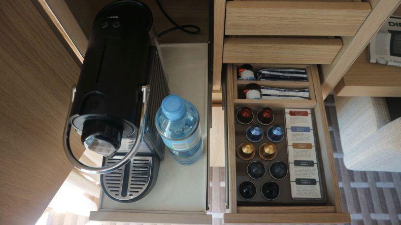 Kaffee gefällig? Die Nespresso-Kaffeemaschine liefert euch leckeren Kaffee in 5 Varianten. (im Preis inklusive)