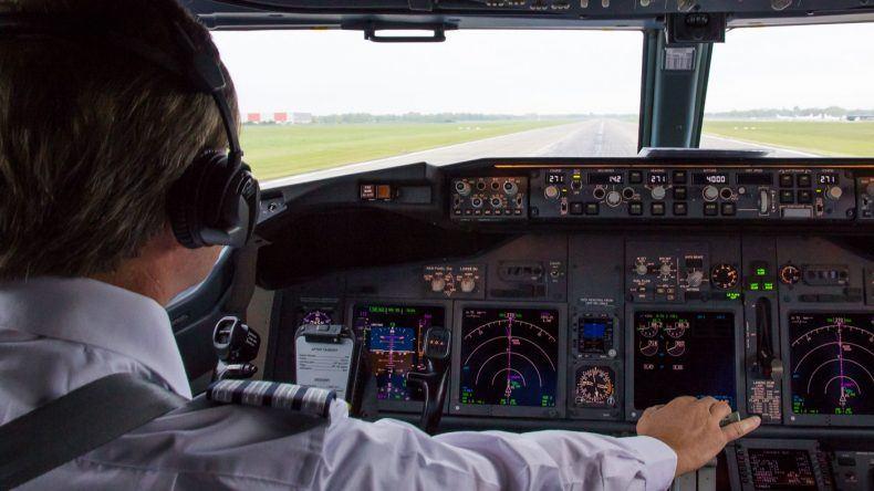 Das Flugzeug beschleunigt