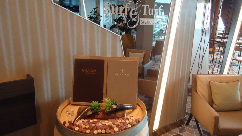 Surf & Turf Restaurant Mein Schiff 6
