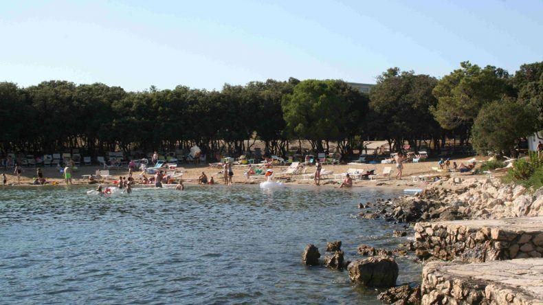 Der Strand direkt beim Hotel