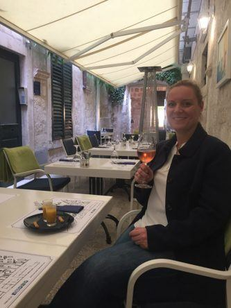 Kristina genießt die tolle Kulinarik im Restaurant Marco Polo