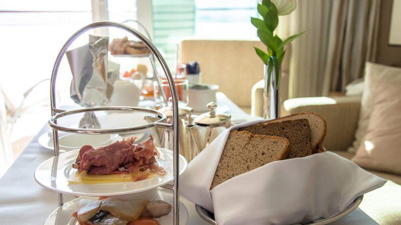 Wer die Sonnenseite erwischt, kann auch auf der Suite frühstücken. Hier ist es von den Temperaturen her angenehmer.