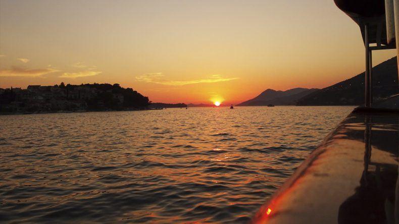 die Sonne geht in Dubrovnik unter