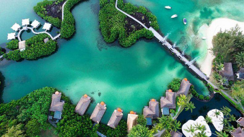 Ein Blick von oben auf das 6-Sterne-Resort Constance Prince Maurice auf Mauritius