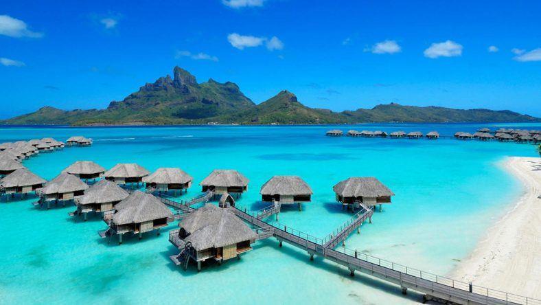 Mit Blick aufs Meer und die Berge: Das Four Seasons Resort Bora Bora