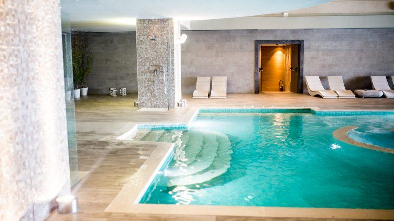 Indoorpool im Miraggio Thermal Spa Resort