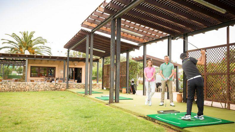 Soloreisende freuen sich u.a. über das Golfangebot im Club