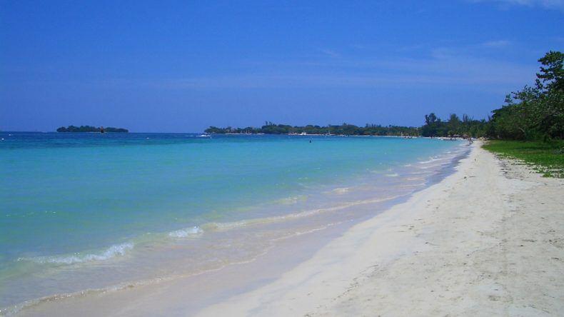 Seven Mile Beach - Ein karibischer Traum