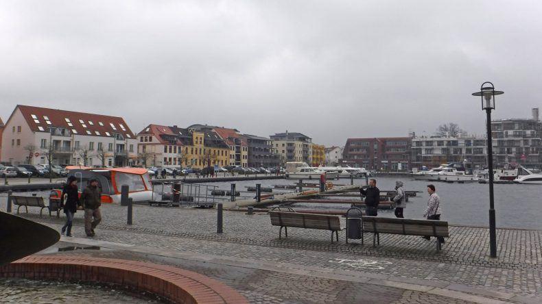 Der Hafen von Waren