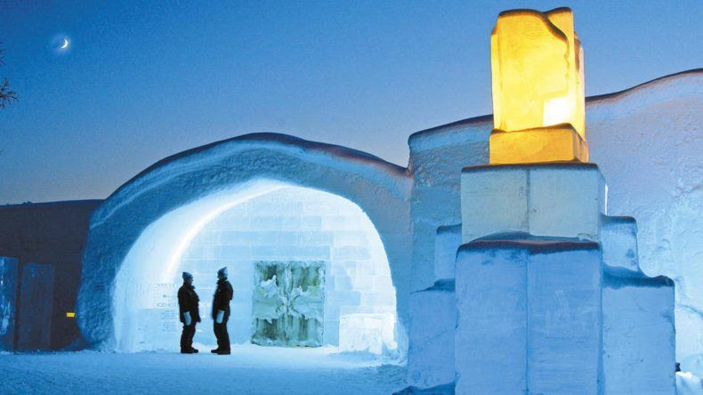 © ICEHOTEL