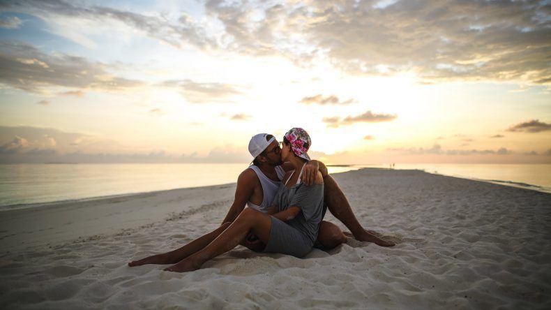 Mia und Thies ganz romantisch auf der Sandbank