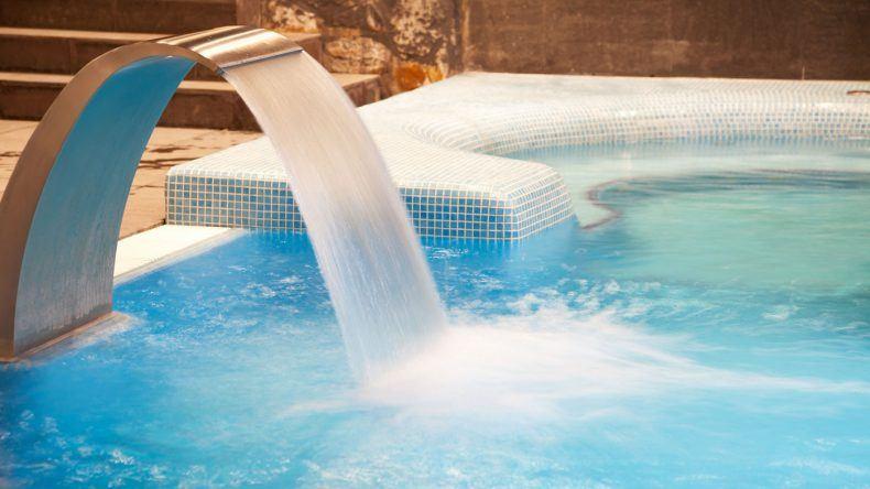 Pool mit Thermalwasser
