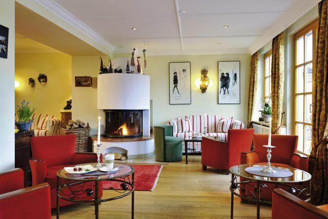 Savoir-Vivre im Romantik Alpenhotel Waxenstein