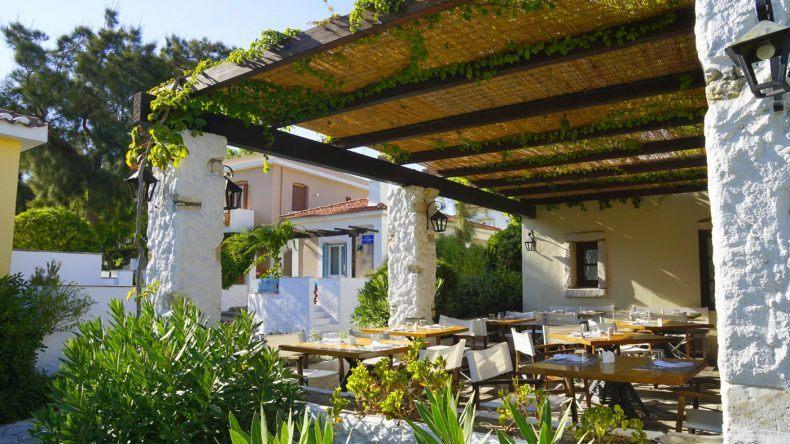 Das Hotelrestaurant im griechischesn Stil