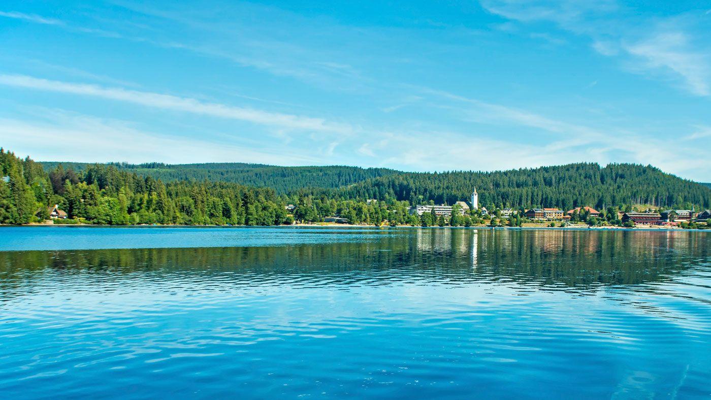 Im Schwarzwald gibt es natürlich nicht nur Wald sondern auch herrliche Seen, Flüsse und sogar Wasserfälle