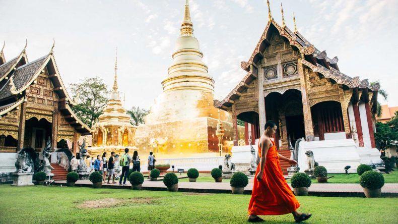 Unbedingt empfehlenswert: ein Gespräch mit einem thailändischen Mönch.