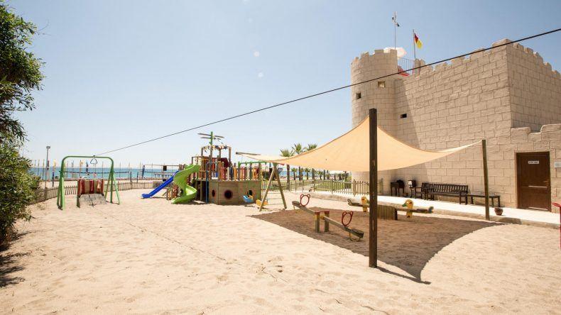Für die kleineren Gäste gibt es den Kinderspielplatz...