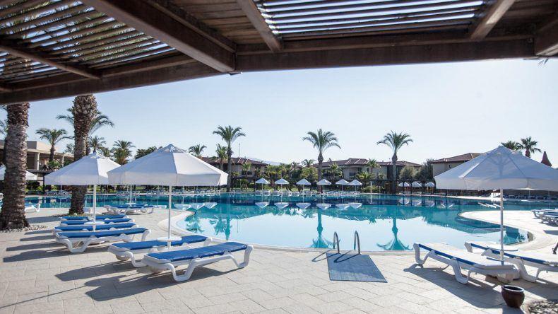 Im TUI BLUE Palm Garden können die Kids auch schwimmen lernen