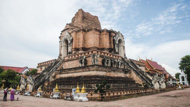 Der Wat Chedi Luang in Chiang Mai ist einer der schönsten Tempel des Landes.