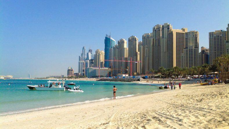 Der JBR Beach in Dubai Marina (Pelikh Alexey/Shutterstock.com)